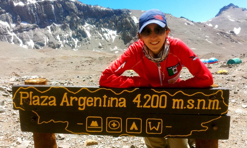 Mariana Torres, alpinista mexicana con asma, conquista el Aconcagua