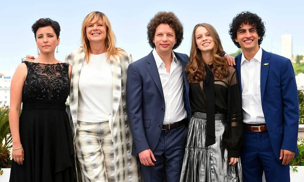 """Michel Franco con los actores de la película """"Las Hijas de Abril"""""""