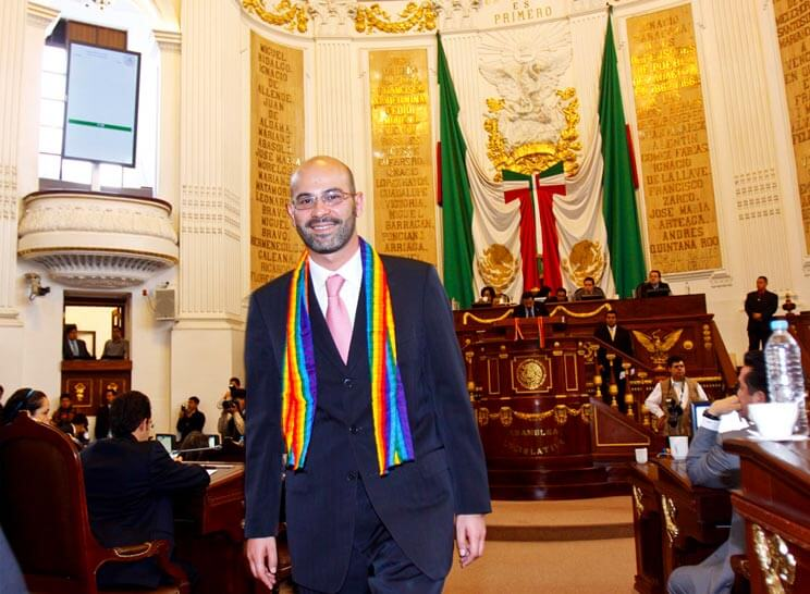 David Razú en Asamblea Legislativa impulsando el matrimonio igualitario en Ciudad de México