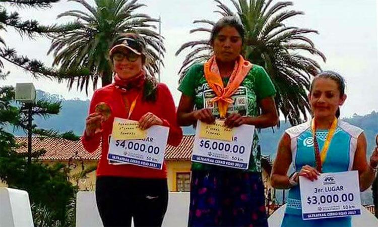 Tarahumara María Lorena Ramírez gana maratón en Puebla