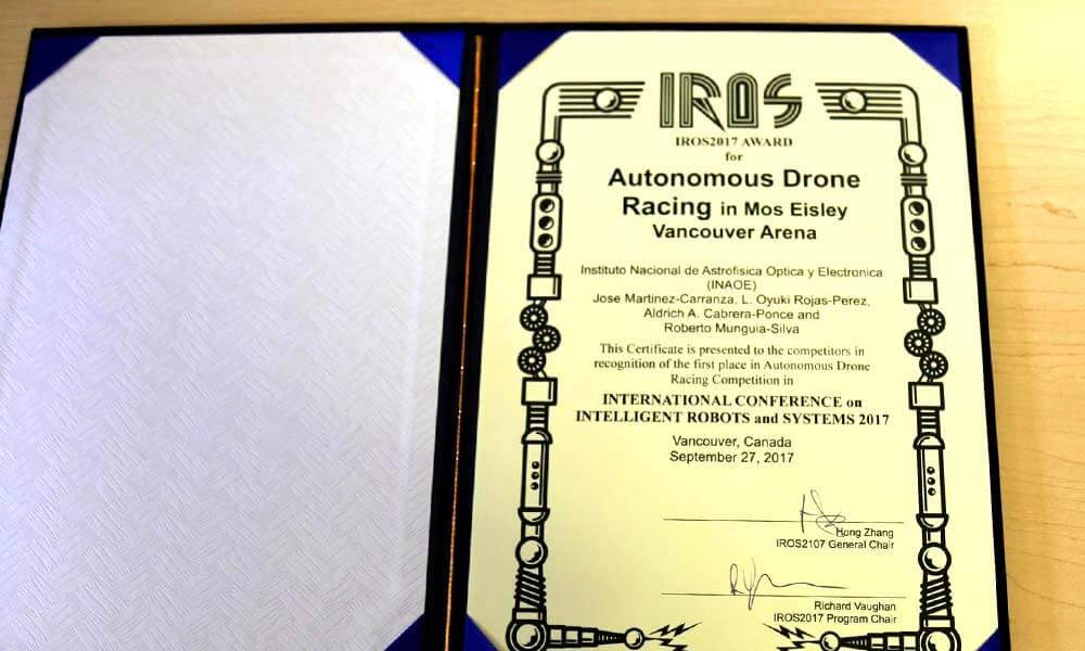Certificado de la carrera de drones autónomos para el INAOE