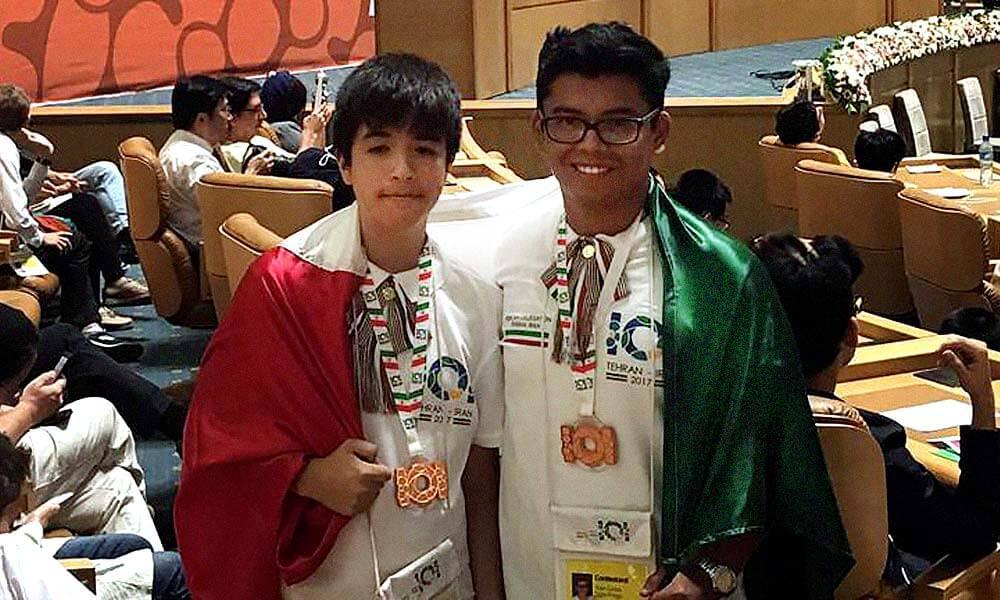 Héctor Fernando Ricardez Lara y Juan Carlos Sigler Priego, medallas de bronce en Olimpiada Internacional de Informática