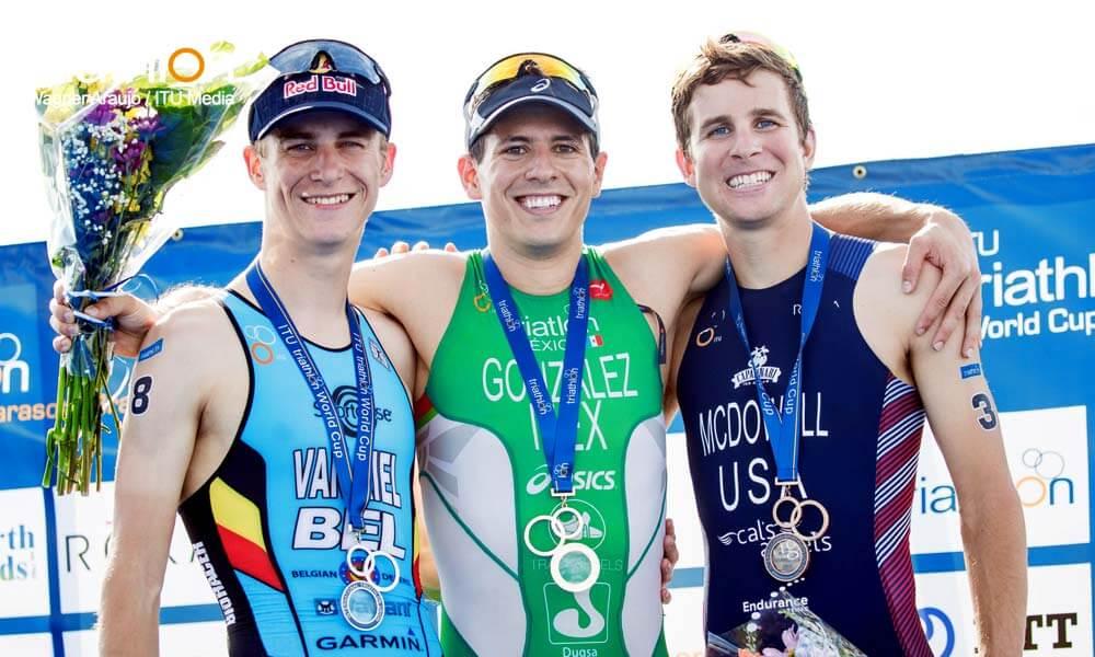 Pódium en Copa Mundial de Triatlón en Sarasota: Rodrigo González, Marten Van Riel y Kevin McDowell