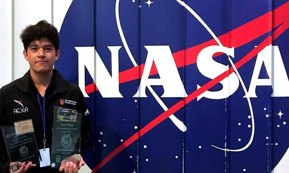 Jonathan Sánchez, alumno de Ingeniería en Aeronáutica premiado por la NASA