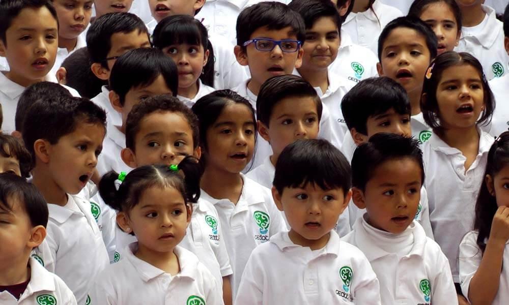 Niños sobredotados del Centro de Atención al Talento CEDAT
