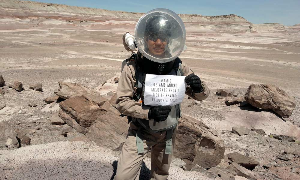 Yair Israel Piña López envía saludos a su abuela desde Marte